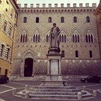 Photo taken at Monte dei Paschi di Siena by Palarp P. on 4/15/2014