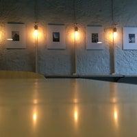 Das Foto wurde bei Pitchii Coffee & Wine von Dmitry L. am 9/24/2017 aufgenommen