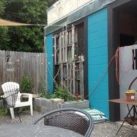 Foto diambil di Crestwood Coffee Co. oleh Kristen👸🏻 B. pada 5/15/2013