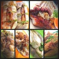Photo taken at O & S Restaurant (海天茶餐室) by Abby V. on 5/18/2013