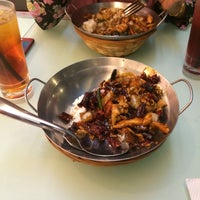 Photo taken at Little Wok Kitchen by NenaJmlddn on 10/30/2016