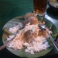 Photo taken at Nasi Liwet Yu Djambol by A Rhaditstya P. on 11/14/2012