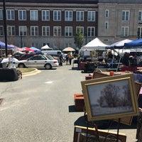 Foto tirada no(a) Georgetown Flea Market por santagati em 7/9/2017