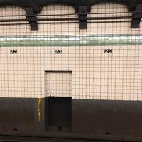 Photo taken at MTA Subway - 23rd St (F/M) by santagati on 10/3/2017