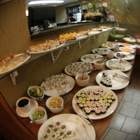 Photo taken at Restaurante Sushi & Grill by CidadeEmFesta on 4/21/2013