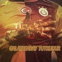 Photo taken at Kuğu Kuru Temizleme by Kaan K. on 10/20/2014