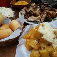 Foto tirada no(a) Galinheiro Grill por Braulio W. em 11/10/2012