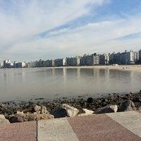 Foto tomada en Playa Pocitos por Vale P. el 6/1/2013