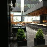 Foto tirada no(a) The Keg Steakhouse & Bar por Marc Andre R. em 5/28/2013