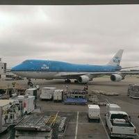 Photo taken at Korean Air Lounge by Evan P. on 3/16/2013