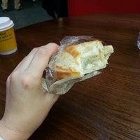 Снимок сделан в The Bread Oven пользователем Rhiannon B. 10/4/2013