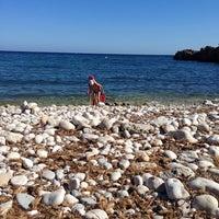 Photo taken at Playa de Mascarat Sur / La Barreta by franck b. on 8/11/2013
