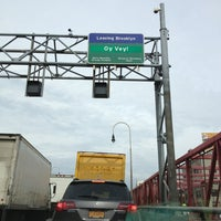 Photo taken at Williamsburg Bridge Bus Terminal by Jariya W. on 5/28/2013