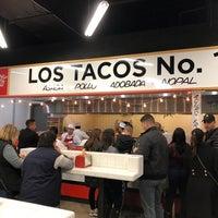 Foto scattata a Los Tacos No. 1 da Julia S. il 10/14/2018