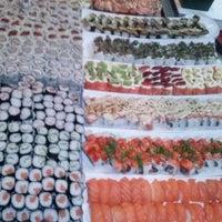 Foto tirada no(a) Keiken Sushi Bar & Restaurante por Celso H. A. em 10/24/2013