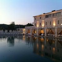 Foto scattata a Terme di Saturnia SPA & Golf Resort da Dan L. il 8/24/2013