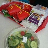 Снимок сделан в McDonald's пользователем Ольга Ч. 4/21/2013