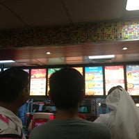 Photo taken at Popeyes by Reem A. on 5/24/2013