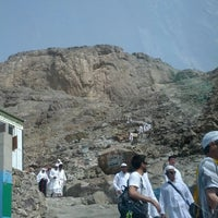 Photo taken at Al Nur Mountain - Hira Cave by Bander R. on 5/29/2013