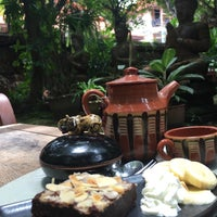 Photo taken at Clay Studio Coffee in the Garden by Martijn v. on 7/30/2017
