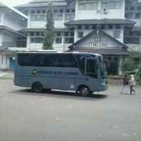 Photo taken at Fakultas Teknik Universitas Negeri Semarang by DhewA E. on 3/26/2013