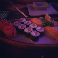 Foto tirada no(a) Restaurante Sushi Tokai por Alanna M. em 3/30/2013