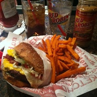 Photo taken at Red Robin Gourmet Burgers by Barbara B. on 2/10/2013