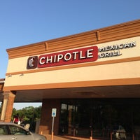 Photo taken at Chipotle Mexican Grill by Bernie F. on 6/20/2013