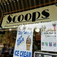 Photo taken at Scoops Old-Fashioned Ice Cream Store by Hans A. on 9/24/2016