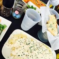 Foto scattata a K Pasta da Ysabel R. il 5/20/2016