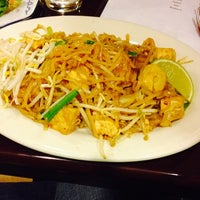 Photo taken at Yum Thai 2 by Nadia S. on 11/14/2013