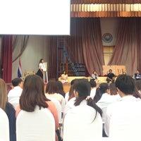 Photo taken at หอประชุมมหาวิทยาลัยหอการค้าไทย by 2DayisSundae M. on 9/14/2016