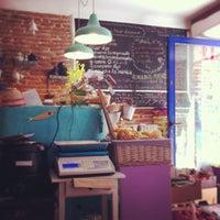 Foto tomada en Café El Mar - Tiendita enbioverde por Roberto R. el 4/14/2013