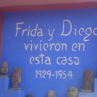 Photo taken at Museo Frida Kahlo by Vic M. on 3/30/2013