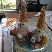 Photo taken at Boncafe Steak & Ice Cream by Winda M. on 8/15/2015