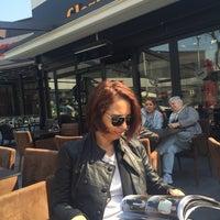 4/14/2015 tarihinde Gülçin O.ziyaretçi tarafından Gloria Jean's Coffees'de çekilen fotoğraf