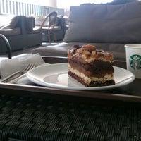 9/24/2015 tarihinde Closed ✌.ziyaretçi tarafından Starbucks'de çekilen fotoğraf