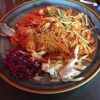 Photo taken at Zen Yai Thai Cuisine by Lingxiao W. on 6/13/2013