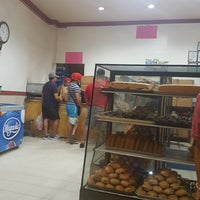 Photo taken at New Master's Bakeshop by Cedrick Z. on 8/12/2017
