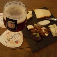 Photo taken at 'cause BEER loves FOOD by Peter H. on 11/25/2017