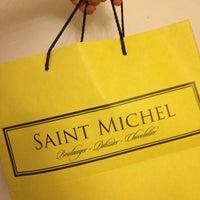 Foto tomada en Saint Michel por Nicole T. el 5/28/2013