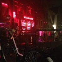 10/7/2015 tarihinde Toño H.ziyaretçi tarafından Red Light District / De Wallen'de çekilen fotoğraf