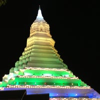 Photo taken at Wat Paknam Bhasi Charoen by Tuptimjun S. on 4/25/2013