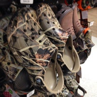 Photo taken at DICK'S Sporting Goods by Steve L. on 5/22/2014