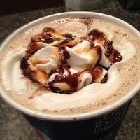รูปภาพถ่ายที่ Biggby Coffee โดย Michelle S. เมื่อ 3/29/2013