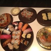 Foto tirada no(a) Sushi Tei por Andy em 10/19/2012