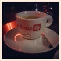 Photo prise au Espresso Bar Illy par Monika S. le11/28/2013