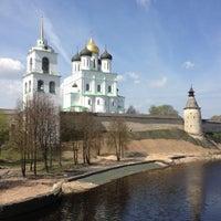 Снимок сделан в Псковский Кром (Кремль) / Pskov Krom (Kremlin) пользователем Anna D. 5/10/2013