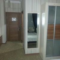 Foto diambil di Grand Ser Hotel oleh t.okan T. pada 4/25/2013