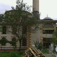 Photo taken at Yavuz Selim Camii by Burak Hakan K. on 10/4/2013